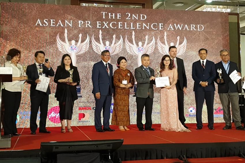 """""""พีอาร์นิวส์ไวร์"""" คว้ารางวัลใหญ่เวที ASEAN PR"""